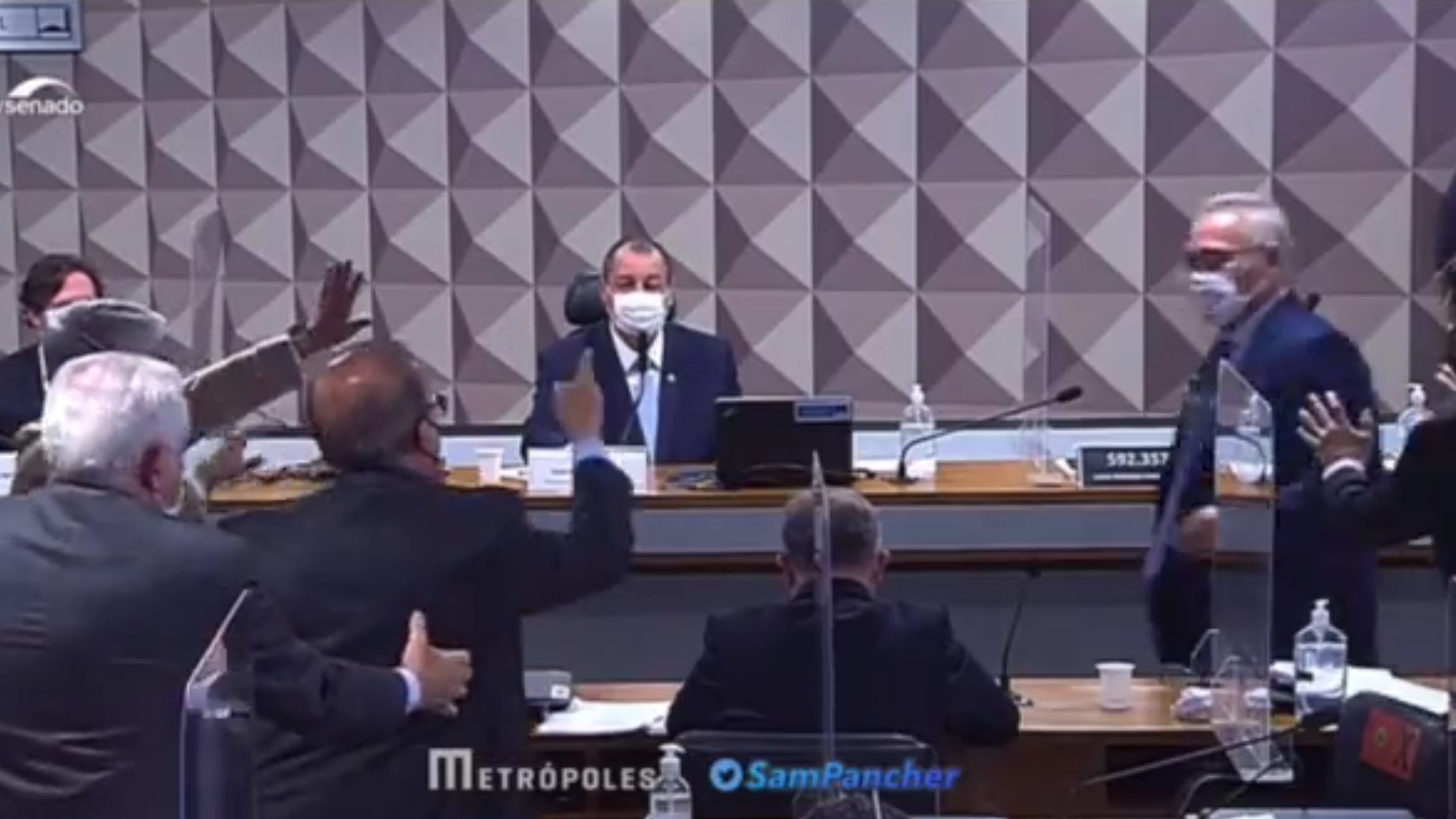 Jorginho x Renan: o baixo nível na CPI da Covid