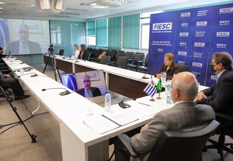 SC e Uruguai podem firmar cooperação na área de TI