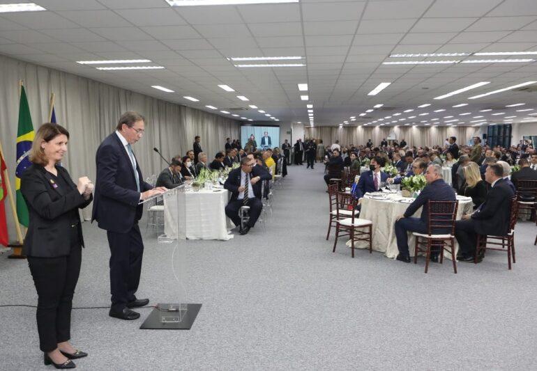 Documento da Fiesc a Bolsonaro defende investimentos e reformas