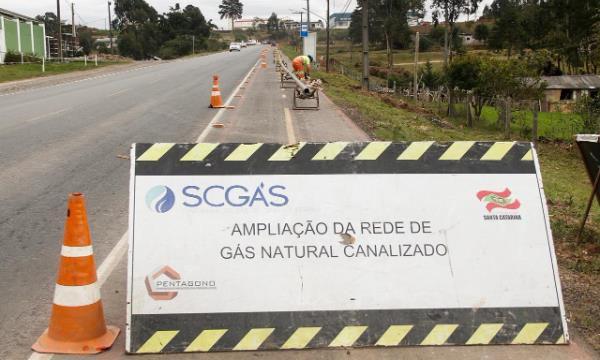 Rede de fornecimento de gás natural avança em SC